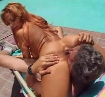 sesso in piscina mega porno