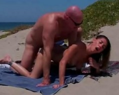 pompini in spiaggia video hard ermafroditi