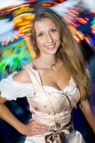Video porno belle ragazze giovani all october fest in germania