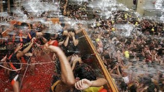 bunol_latomatina_food_fight_051