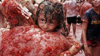 bunol_latomatina_food_fight_09