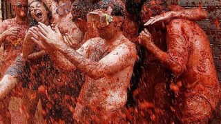 bunol_latomatina_food_fight_14