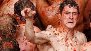 bunol_latomatina_food_fight_18