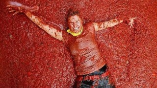 bunol_latomatina_food_fight_19