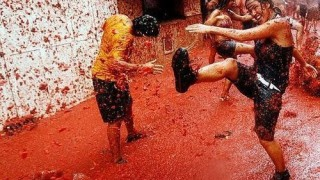 bunol_latomatina_food_fight_23