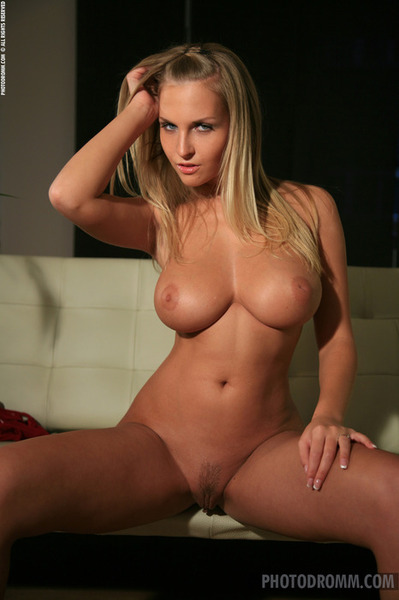 worlds hottest woman nude