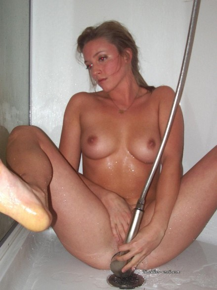 doccia_amatoriale_ragazze_05