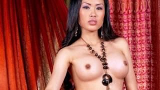 Davon Kim sexy