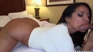 Kiara Mia latina sexy