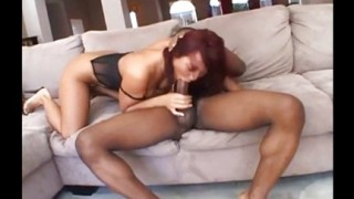 Sandra Romain ama il sesso anale interrazziale