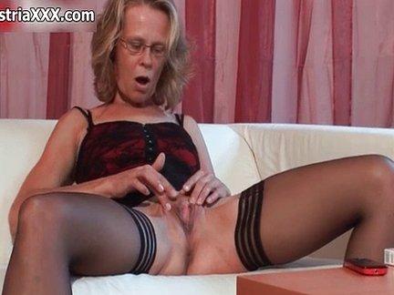 Marito filma la moglie riempita di sperma da un altro - 5 9
