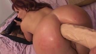 Katja Kassin masturbata in culo e sodomizzata
