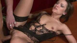 Jana Bach sexy segretaria in lingerie