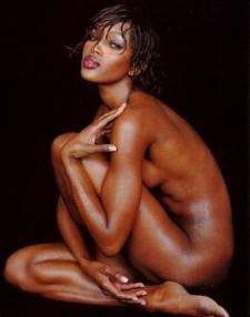 naomi nuda pantera nera del cinema